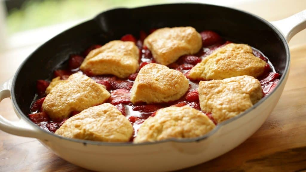 freshly baked strawberry cobbler recipe