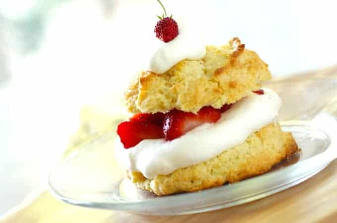 How to Make a Strawberry Shortcake