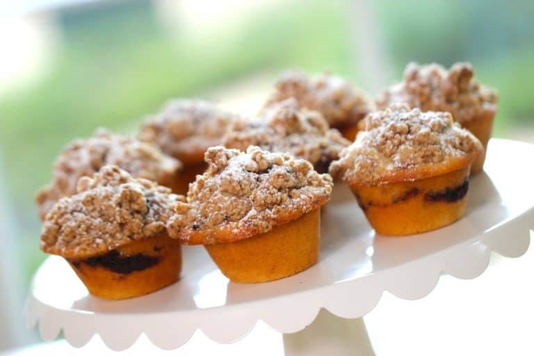 Coffee Cake Muffin Recipe - Entertaining with Beth