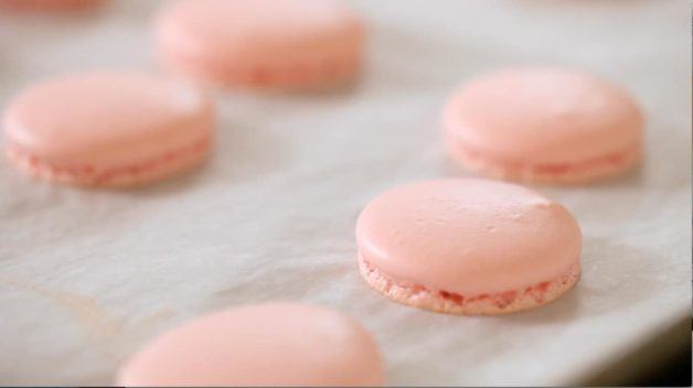 Smooth Tops of macaron shells