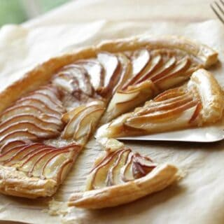 Easy Pear Tart with Puffed Pastry