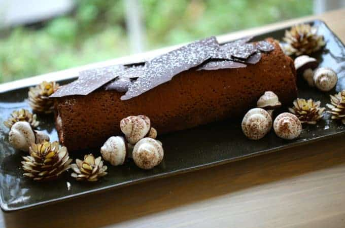 Buche de Noel Recipe (How to Make a Yule Log)