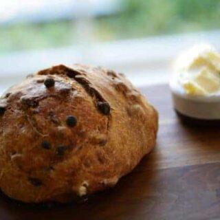 No-Knead Cinnamon Raisin Bread