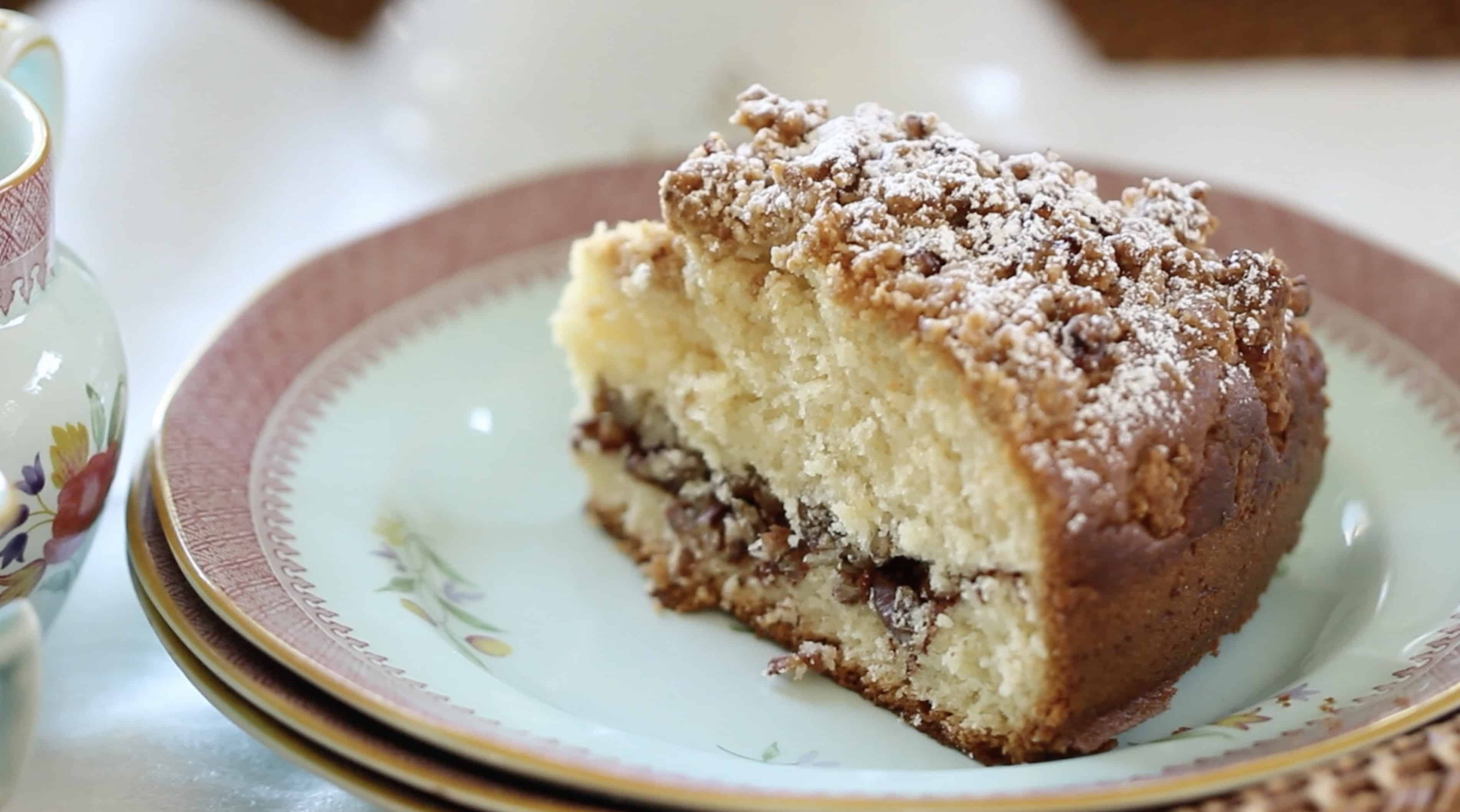 CLASSIC CRUMB CAKE RECIPE - Entertaining with Beth