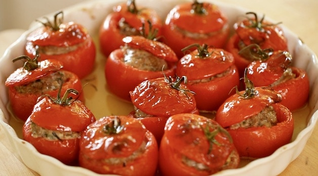Tomates farcies in a baking dish