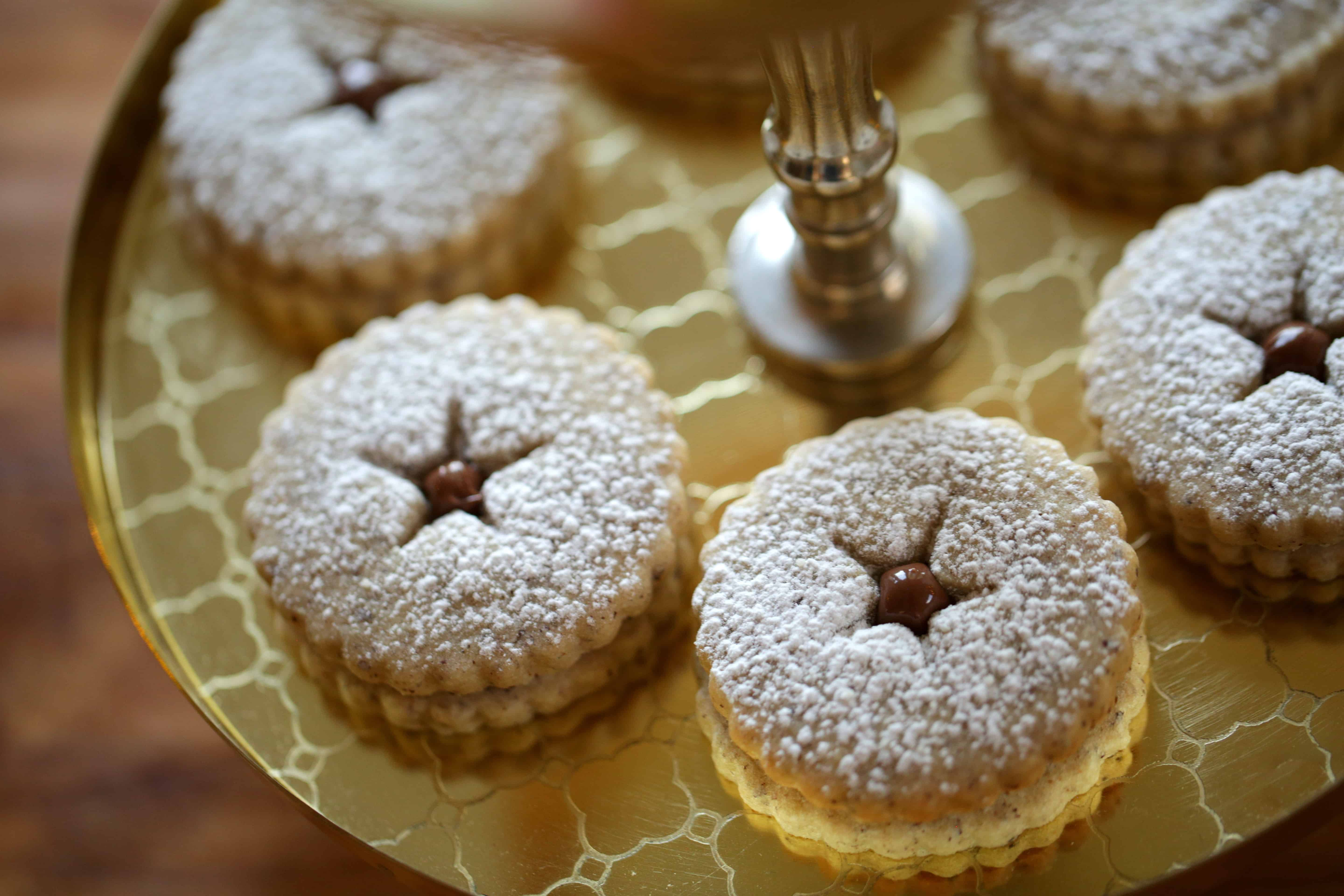 Chocolate Hazelnut Linzer Cookie Recipe #ChristmasCookies #LinzerCookies #CookieRecipes