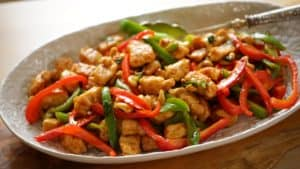 Easy Cashew Chicken Recipe in an oval platter