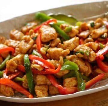 Easy Cashew Chicken Recipe in an oval platter