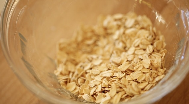 Old Fashioned Oats in a glass bowl
