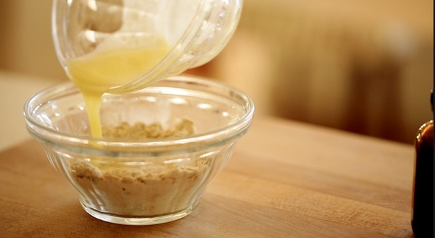 Adding Melted Butter to a dry mixture for crumb topping