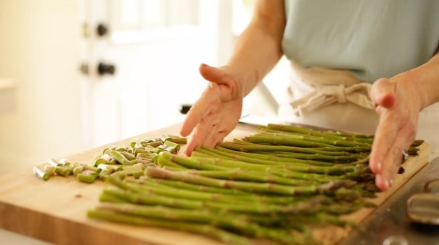 Asparagus Spears for Charred Asparagus Salad Recipe