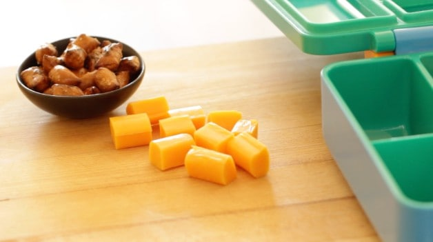 Sliced cheese for lunchbox