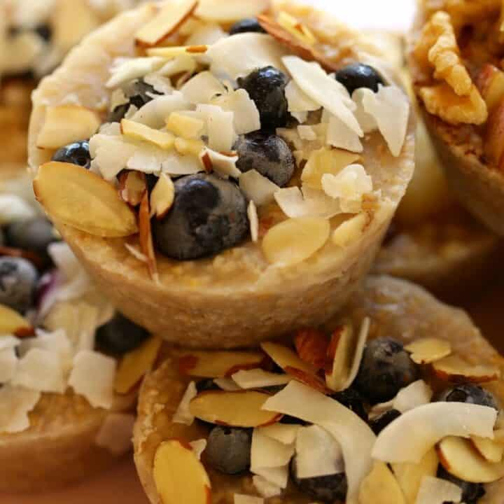 Oatmeal Cups Frozen with Coconut Blueberries and Nuts