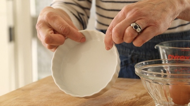 """5"""" ceramic white quiche dish"""