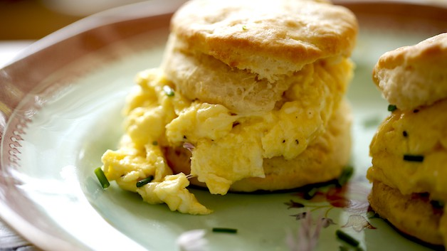 One biscuit filled with Scrambled eggs and Chives