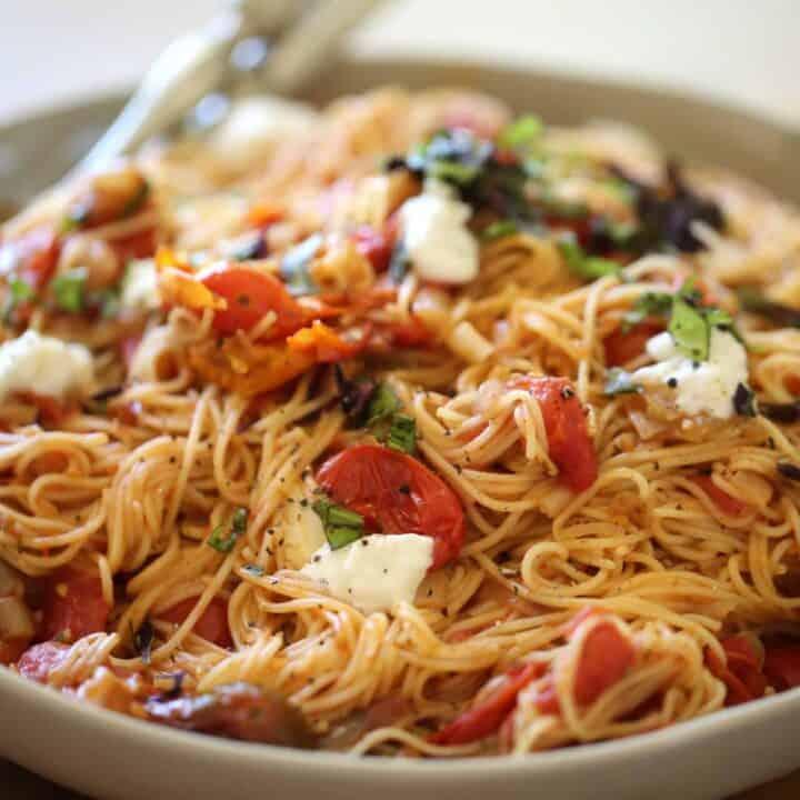 angel hair pasta annd fresh tomato sauce