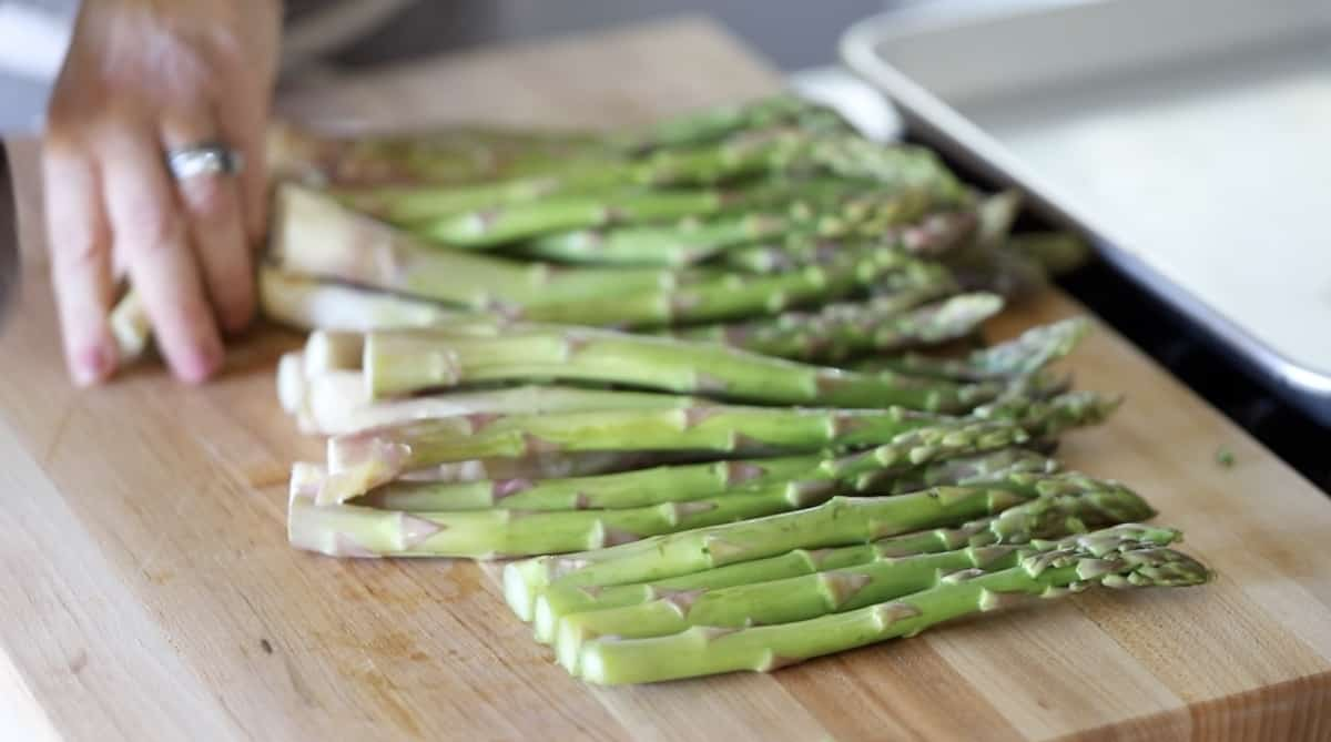 Cutting ends of Asparagus Spears